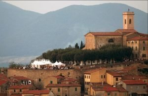 10 LOCATIONS TO VISIT STARTING FROM SAN GIMIGNANO, TUSCANY