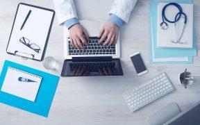 Coronavirus negli Emirati Arabi Uniti: Dubai offre consulenze gratuite 24 ore su 24, 7 giorni su